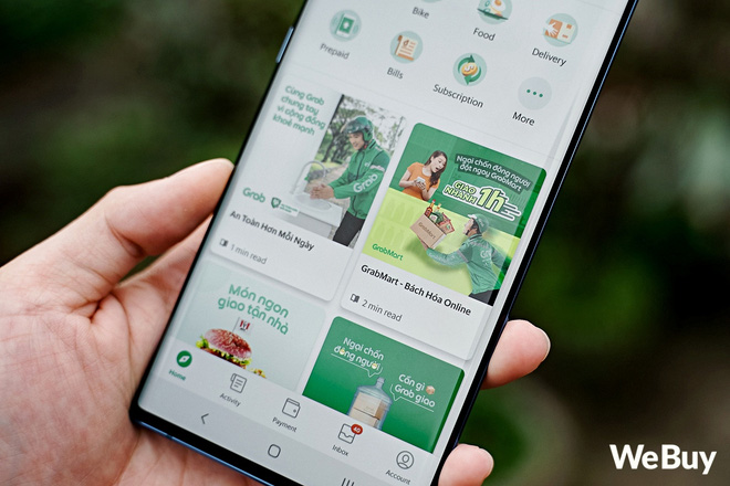 Try the grocery shopping service from Grab, Now, Be and VinMart: Sitting at home and pressing the phone is delivered to the place, which is good but there are many things to improve